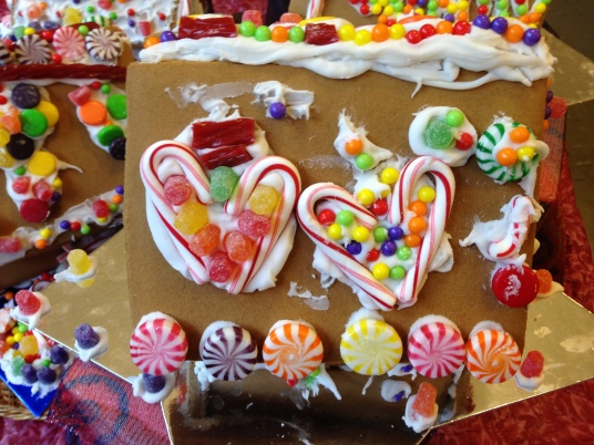 gingerbread house love 2